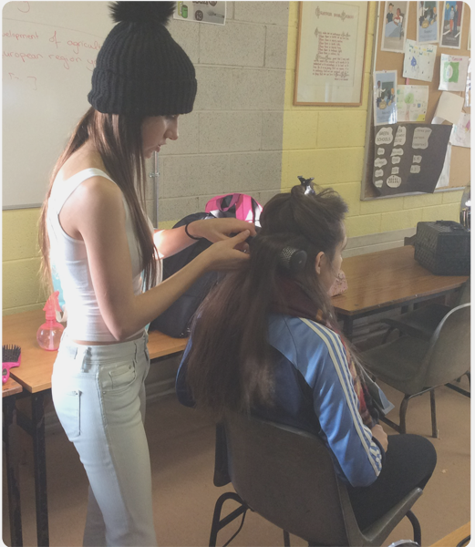 Hair Styling in Scoil Pol